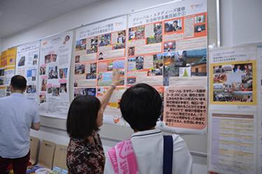 グローバル・スタディーズ履修コースによる展示・留学フェア