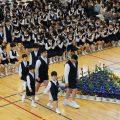 附属小学校入学式エスコートの写真です